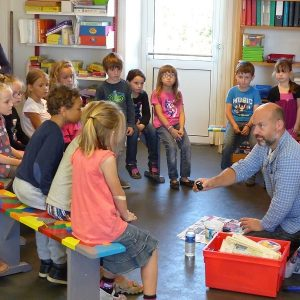 Atelier moulage de fossiles dans les écoles primaires